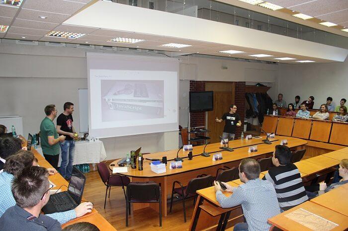Javascript Presentation Open Gates